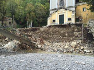 Santuario Madonna dell'Acqua sgombero del Ponte dal Torrente Brevenna